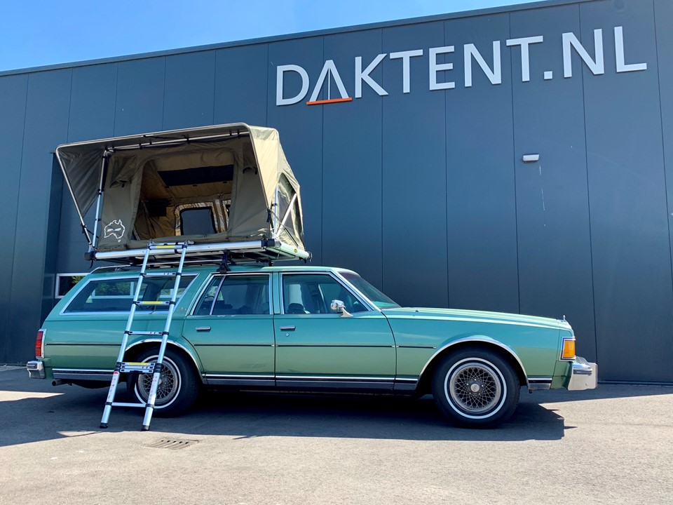 Chevy Caprice 1979 wagon roof top tent
