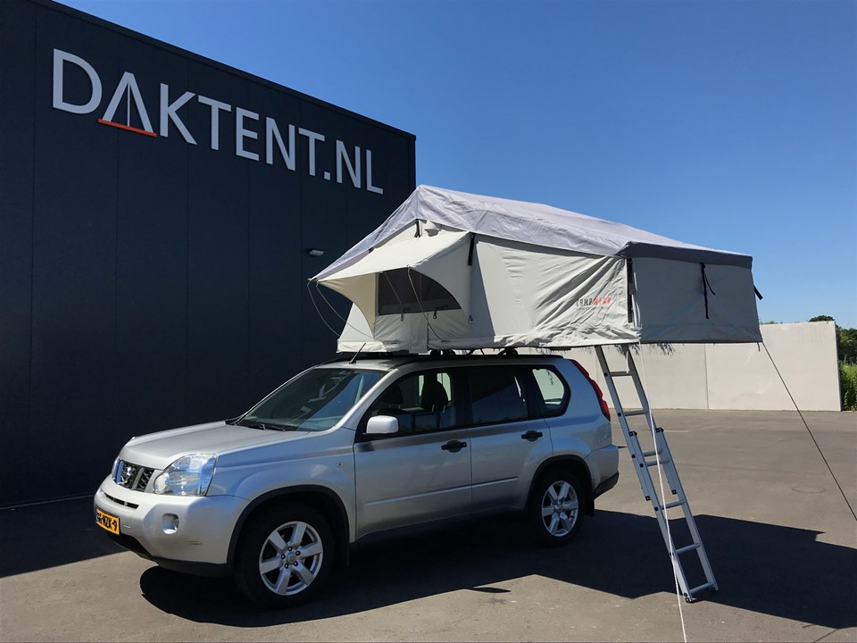 Nissan X-Trail roof tent Campwerk Adventure (1)